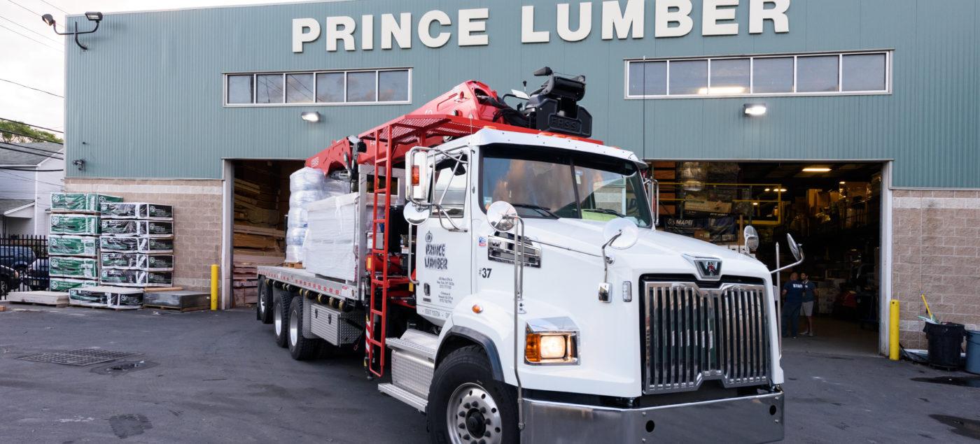 boom-truck-large-lumberyard